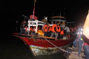 Korban Kapal Terbakar Dirawat di Sumenep