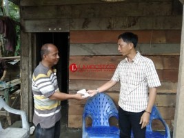Korban Longsor dapat Bantuan dari PWI Pesisir Barat