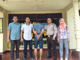 Korban Penipuan Jadi Satpam Serahkan Pelaku ke Polisi