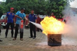KPPN Kotabumi - Satpol PP Lampung Utara Jaga Aset Negara dari Kebakaran