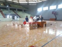 KPU Lampura Targetkan Logostik Sampai TPS H-4 Pencoblosan