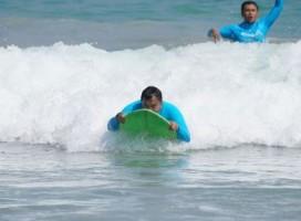 Kunker ke Pesisir Barat, Kapolda Jajal Surfing