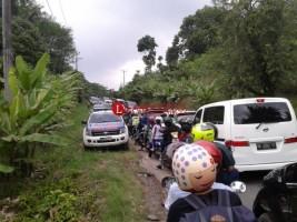Lalu Lintas Lokasi Wisata Pesawaran Macet Panjang