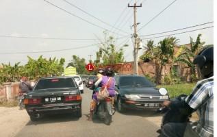 Lalulintas Makin Ramai, Jalan RA Basyid Mendesak Dilebarkan
