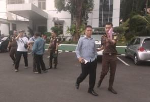 LAMPOST TV:Empat Tersangka Korupsi Islamic Center Sukadana Dibui