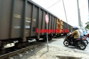 LAMPOST TV: Penertiban Penutupan Perlintasan Liar