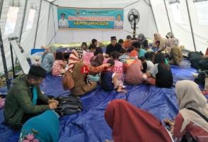 LAMPOST TV: Siswa Korban Tsunami Belajar di Tenda Darurat