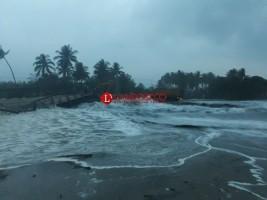 LAMPOST TV:Tanggul Penahan Ombak di Jalinpanbar Jebol
