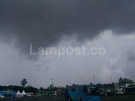 Lampung Hari Ini Diprakirakan Hujan Lebat Disertai Petir