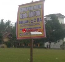 Lapangan Sepakbola dan Pasar Tradisional Desa Bumidaya Disegel Oknum Warga