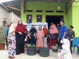 Legislator PKS Latih Warga Buat Sabun