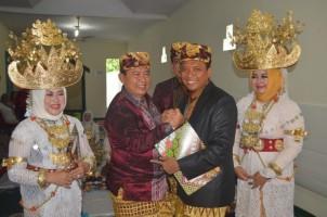 Lembaga Adat Megou Pak Tulangbawang Berikan Gelar Adat pada Kapolres Tulangbawang