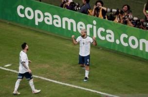 Libas Qatar, Argentina Melaju ke Perempat Final
