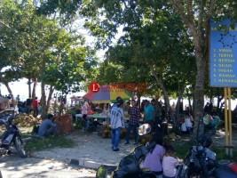 Libur Lebaran, Ribuan Warga Padati Wisata di Pantai Labuhan Jukung