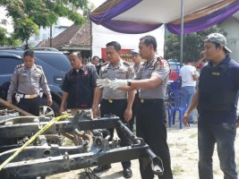 Lima Tersangka Sindikat Pencuri Mobil Pikap Ditangkap Polres Tanggamus
