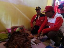 Loekman Kunjungi Pederita Kanker Payudara di Sendang Agung