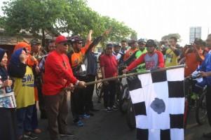 Loekman Lepas Ratusan Pesepeda Gowes Lampung
