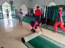 LP Kelas IIA Kotabumi Gelar Giat Bersih-bersih Rumah Ibadah
