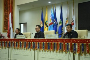 Mahasiswa Teknokrat Simulasi Paripurna Bersama Ketua DPRD Provinsi Lampung