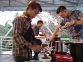 Makan Siang Prasmanan di Paviliun Cukup Rp10 Ribu