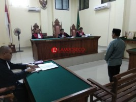 Mantan Kades Seputih Surabaya Divonis 1,8 Tahun Penjara