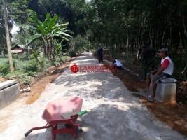 Masyarakat Pungguklama Nikmati Manfaat Dana Desa