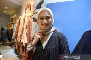Melody Eks JKT48 Perfeksionis Soal Hijab
