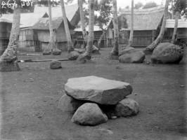 Mencari Tahu Usia Kompleks Megalit