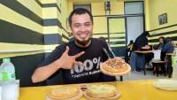 Mencoba Kelezatan Piza Durian