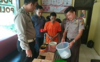 Mengaku Bisa Tarik Emas Batangan Secara Gaib, Dukun Palsu di Tubaba Ditangkap