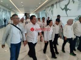 Menteri BUMN Cek Kondisi Terakhir Jalan Tol Jelang Diresmikan
