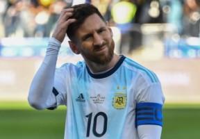 Messi Tolak Pengalungan Medali Perunggu Argentina