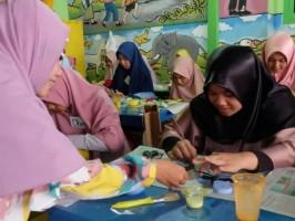 Metro Sisterhood Wadah Emak-Emak Kreatif