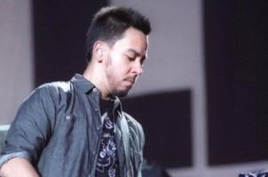 Mike Shinoda Bersolo Karier, Belum Tahu Kapan Linkin Park Kembali