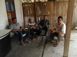 Minimalisir Kejahatan di Ramadan, Babinsa Kampung Jayamakmur Ajak Warga Tetap Giat Ronda Malam