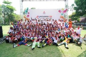 Mitsubishi Gelar Program CSR Ajak 100 Anak Yatim