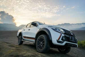 Mitsubishi Jajal New Triton Athlete di Kawasan Gunung Bromo