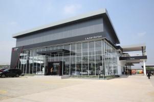 Mitsubishi Resmikan Diler Ke-4 di Palembang