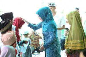Muslimat NU Desa Bernung Peduli Anak Yatim Piatu