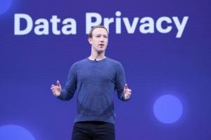 Nah! Investor Facebook Ingin Gulingkan Zuckerberg