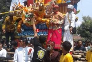 Nanang Ermanto Hadiri Ngaben Massal di Ketapang