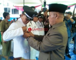 Nanang Lantik 4 ASN Jadi Penjabat Kepala Desa