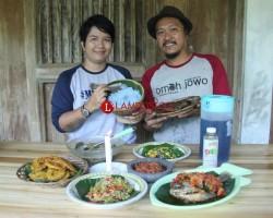 Nikmatnya Nasi Biru Telang Khas Omah Jowo