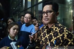 OTT KPK Amakankan Gubernur Kepri dan 5 Orang Lainnya