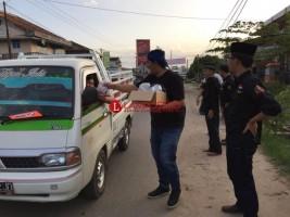 Paguron Jalak Banten Bagi Takjil di Dayamurni