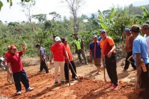 Parosil Minta Masyarakat Mampu Merawat Hasil Pembangunan