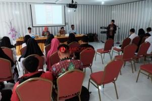 Partinia Parosil Serius Wujudkan Program Literasi di Lambar
