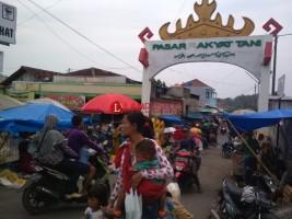 Pasar Rakyat Tani, Hanya Ramai di Hari Kamis dan Minggu
