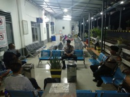 Patroli Stasiun KA, Polres Way Kanan Berikan Pesan Kamtibmas