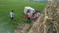 Pecah Ban,  Mobil  Nyemplung ke Sawah